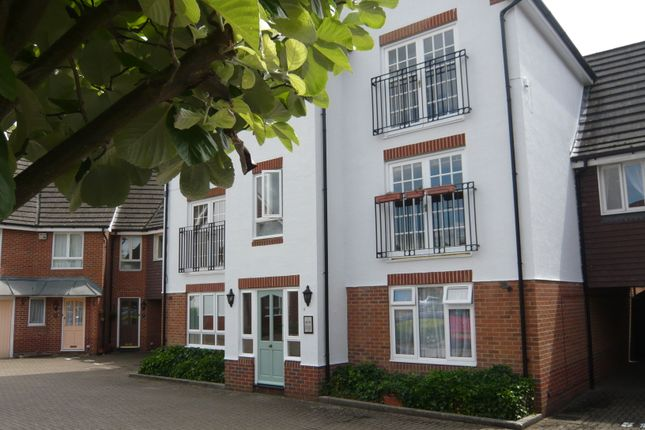 Thumbnail Flat to rent in Hartigan Place, Woodley, Reading