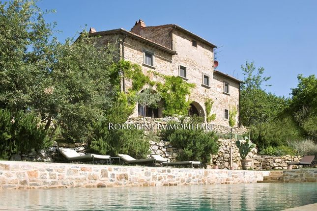 5 bed farmhouse for sale in Radda In Chianti, Tuscany, Italy