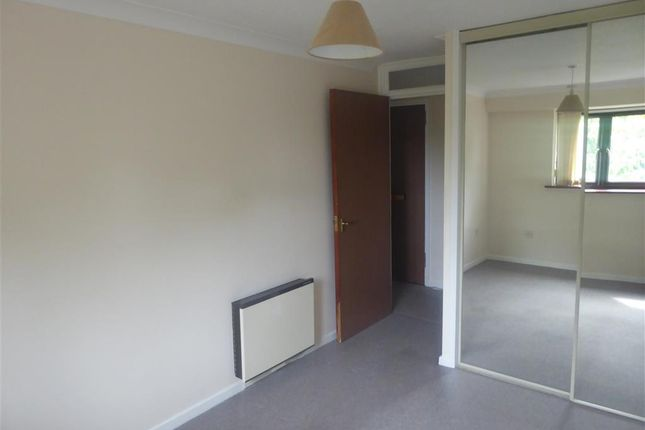 1 bed flat for sale in East Street, Havant, Hampshire