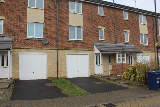 Thumbnail Property for sale in Hartford Court, Heaton, Newcastle Upon Tyne