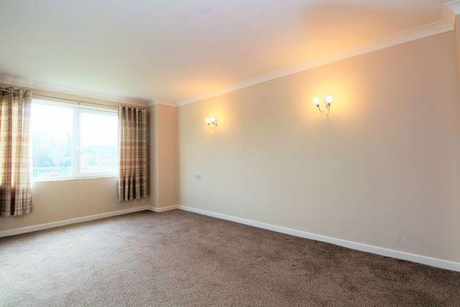 Lounge of Sawyers Hall Lane, Brentwood CM15