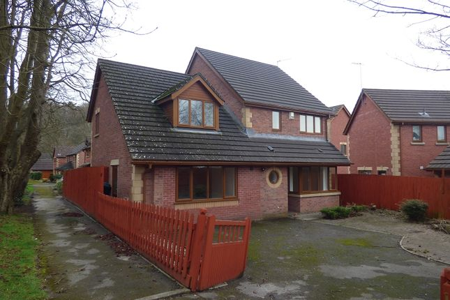 Thumbnail Property to rent in 14 The Avenue, Eaglesbush, Neath.