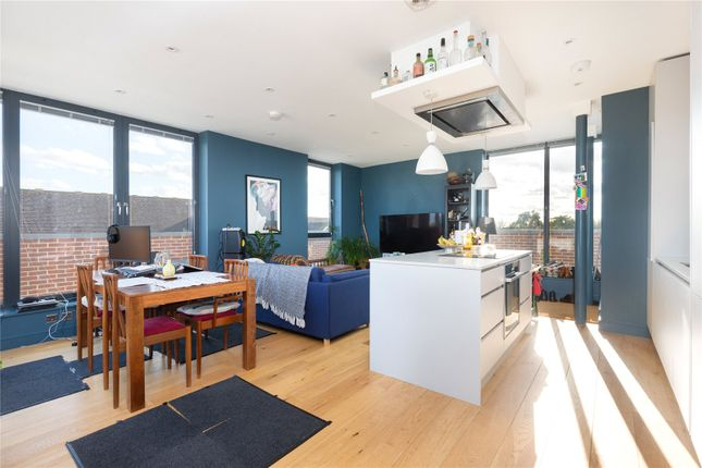 Thumbnail Flat for sale in Upton Court, The Downs, Wimbledon, London