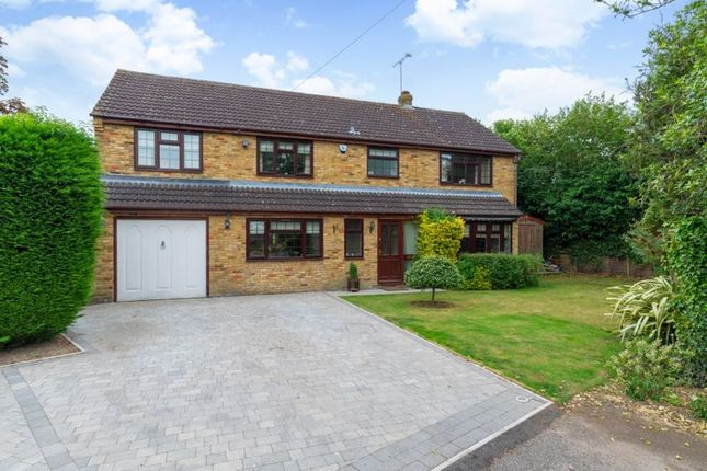 Thumbnail Detached house for sale in Homelands Gardens, Great Kingshill, High Wycombe