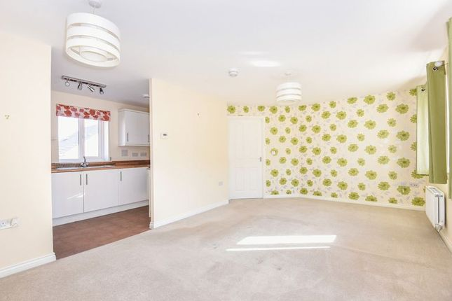 Thumbnail Flat to rent in Little Ground, Aylesbury
