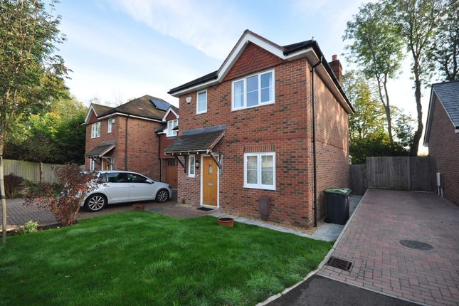 Thumbnail Semi-detached house to rent in Cottonwood Close, Purbrook, Waterlooville