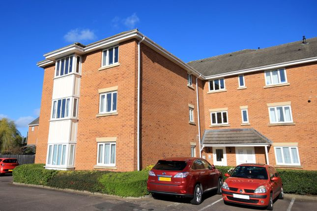 Thumbnail Flat for sale in Beaumont Court, Flitwick, Bedford