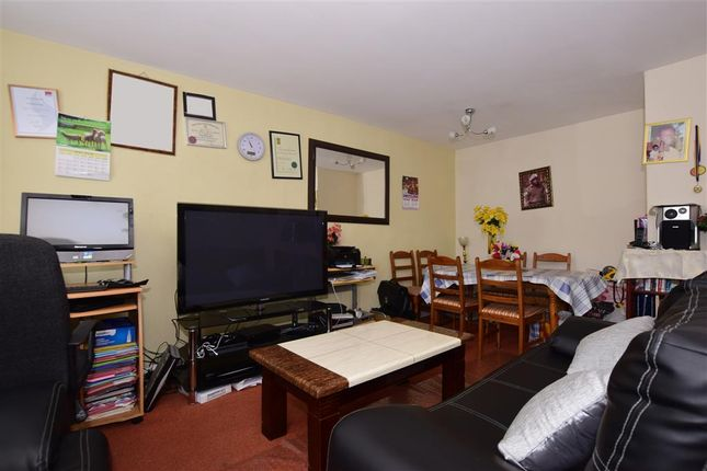 Thumbnail Flat for sale in Harcourt Road, Wallington, Surrey