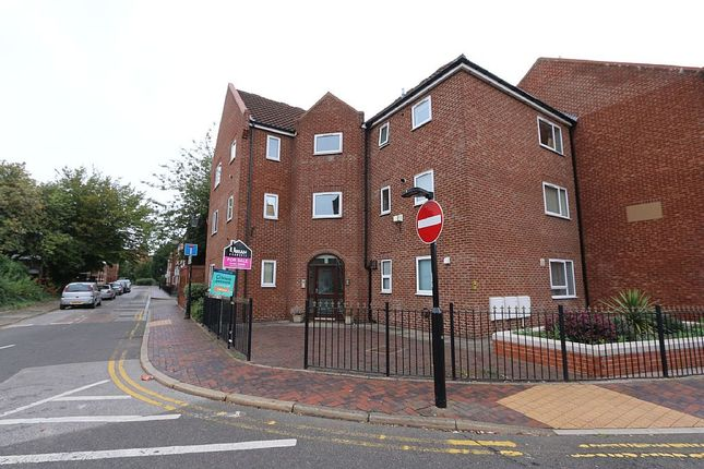 Thumbnail Flat for sale in Lawson Court, 190 High Street, Hull, East Yorkshire