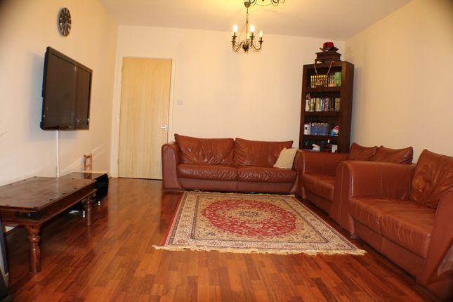 Thumbnail Terraced house to rent in Turners Road, Mile End/ Lime House