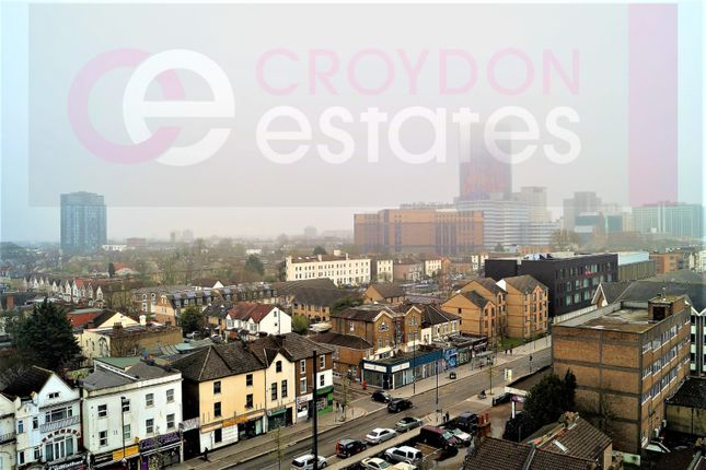 2 bed flat to rent in London Road, Croydon