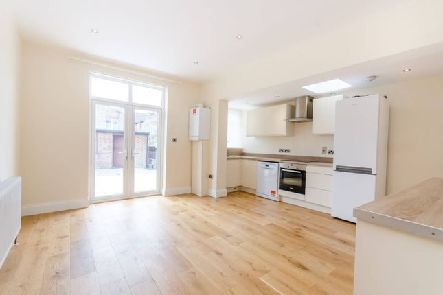 Thumbnail Property to rent in Bosworth Road, Bounds Green