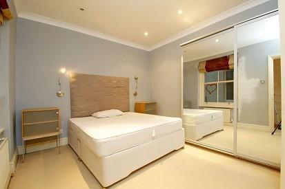 Bedroom of Clanricarde Gardens W2,