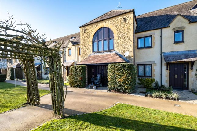 Thumbnail Flat for sale in Bowling Green Court, Moreton In Marsh, Gloucestershire