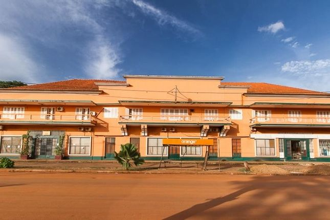 Thumbnail Hotel/guest house for sale in Autonomo De Bissau, Bissau