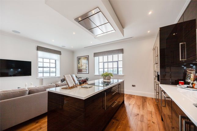 Thumbnail Flat to rent in Palace Wharf, Rainville Road, Hammersmith, London