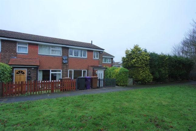Thumbnail Terraced house to rent in Shelley Close, Royston