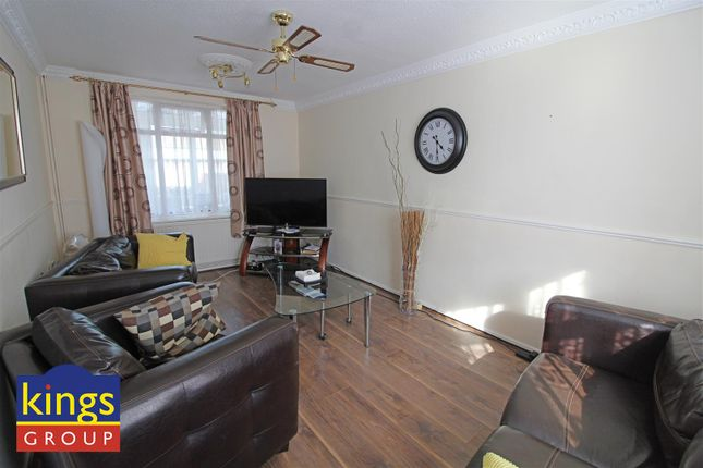 Licingroom of Monarch Close, Tilbury RM18