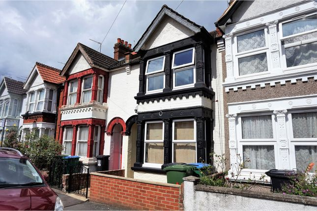 Thumbnail Terraced house for sale in Kensington Avenue, Watford
