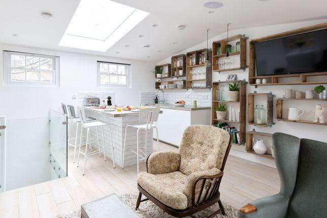 Thumbnail Duplex to rent in Easton Street, London