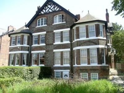 Thumbnail Flat to rent in Gatley Road, Cheshire