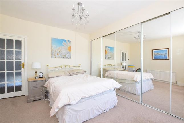 Bedroom of Mulberry Way, London E18