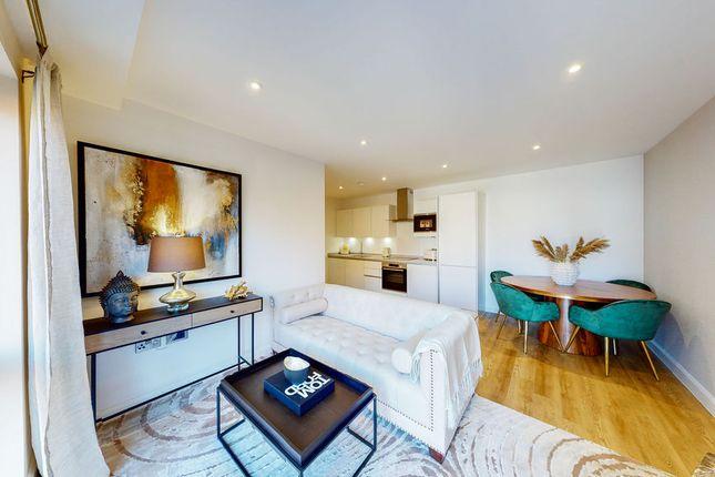 2 bed flat for sale in Leys Avenue, Letchworth Garden City SG6