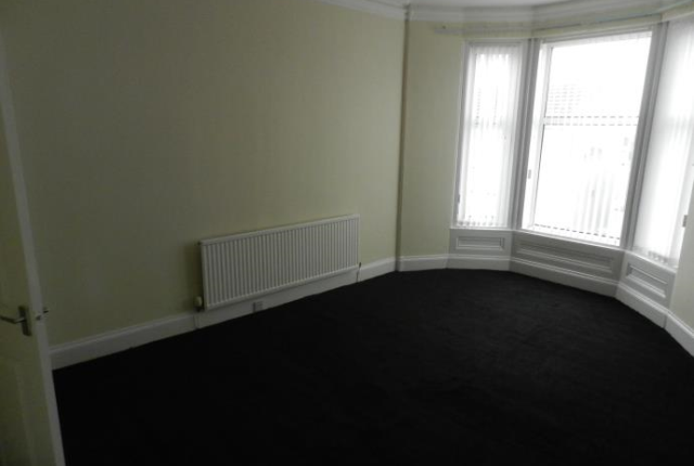 Thumbnail Flat to rent in Main Street, Dreghorn
