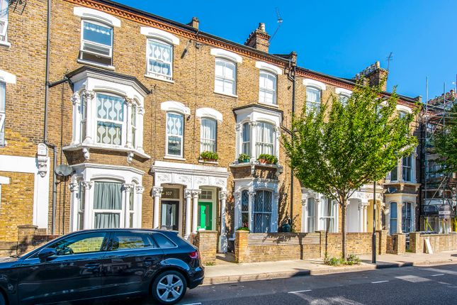 Thumbnail Flat to rent in Fairbridge Road, London