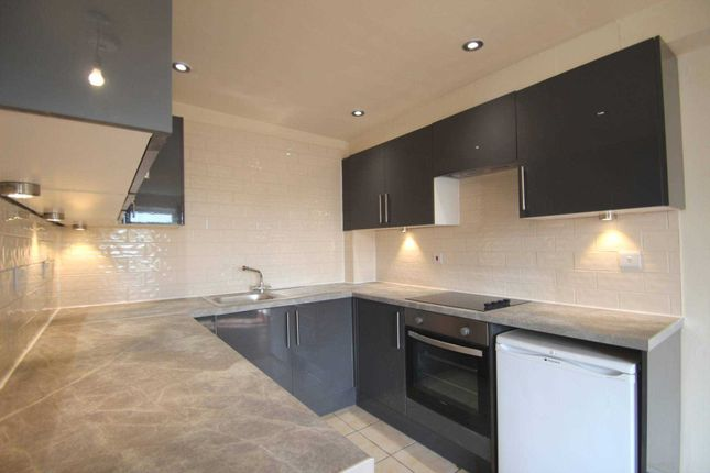 Thumbnail Flat to rent in Cranmer Road, Cowley