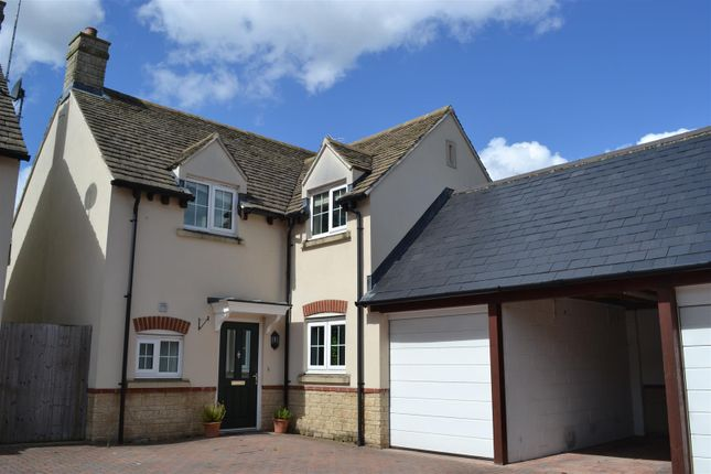 Thumbnail Property for sale in Crossways Court, Enstone, Chipping Norton