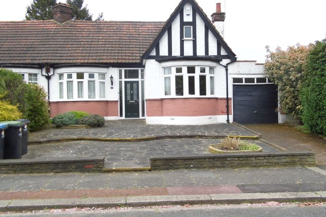 Thumbnail Bungalow for sale in Crossway, Bush Hill Park