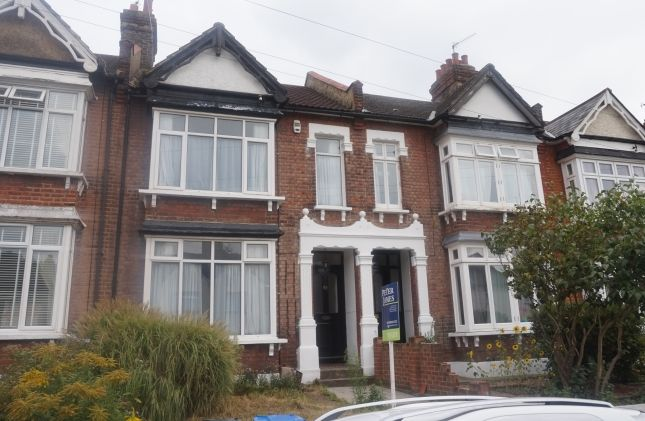 Thumbnail Terraced house to rent in Kinveachy Gardens, London