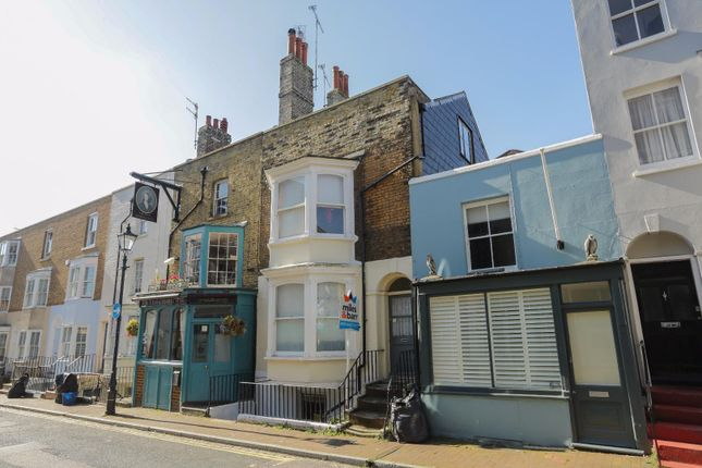 1 Bed Flat To Rent In Addington Street Ramsgate Ct11