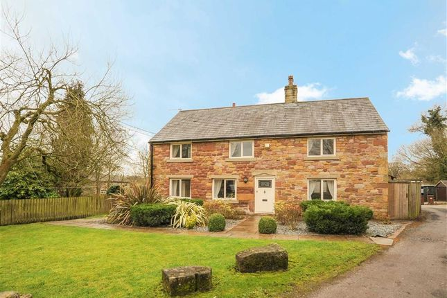 Thumbnail Cottage for sale in Roach Road, Samlesbury, Preston