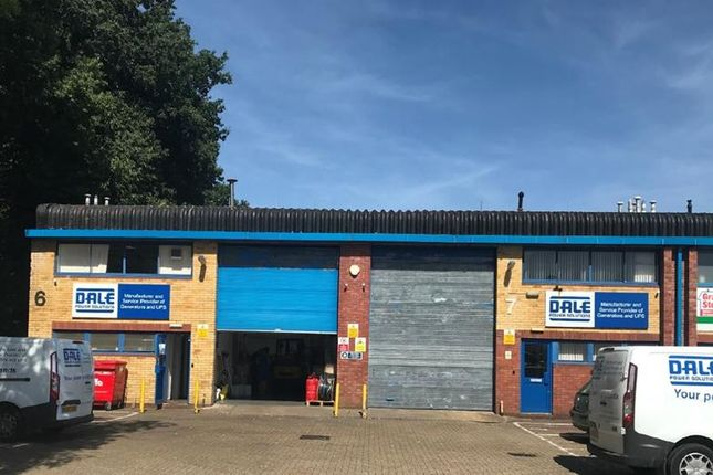 Thumbnail Warehouse to let in Unit 7, Saracen Industrial Estate, Mark Road, Hemel Hempstead, Hertfordshire