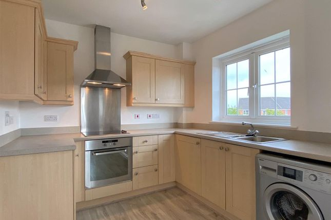 2 bed flat to rent in Moorland Green, Gorseinon, Swansea SA4