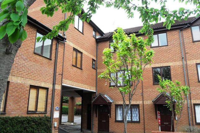 Thumbnail Flat to rent in Ventnor Terrace, Newport Road, Aldershot