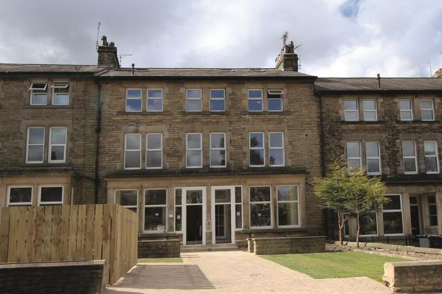 Thumbnail Flat to rent in Two Bedroom Apartment, Pavilion House, Harrogate