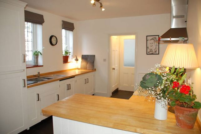 Thumbnail Detached house to rent in Birling Road, Tunbridge Wells