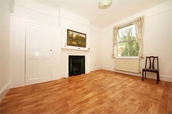 Thumbnail Terraced house to rent in Gunnersbury Avenue, London