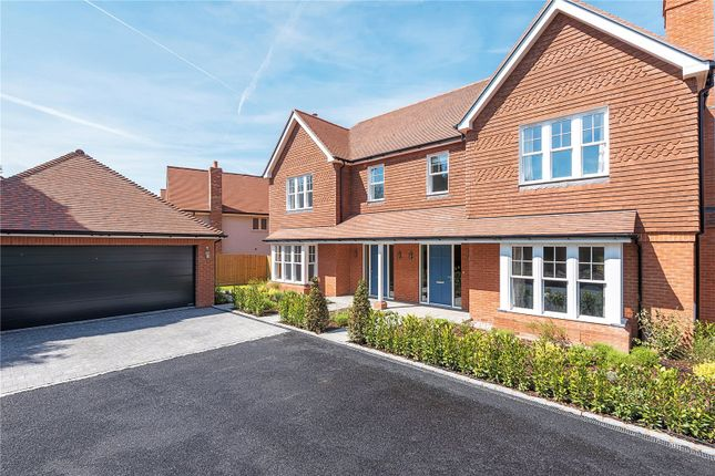 Thumbnail Detached house for sale in Mortimer Close, Headbourne Worthy, Winchester, Hampshire