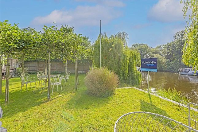 Thumbnail Property for sale in Hamhaugh Island, Shepperton
