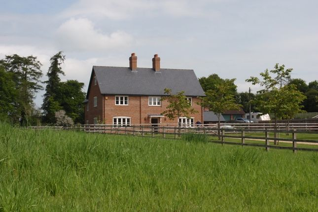 Thumbnail Detached house to rent in Willesley Warren, Overton, Basingstoke