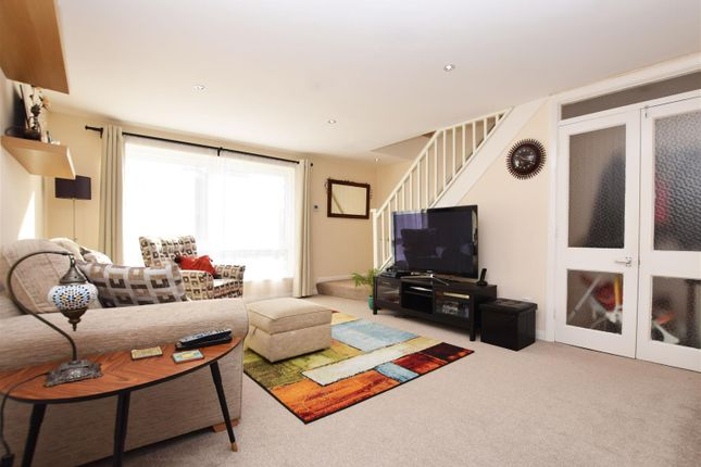 Maisonette to rent in The Wilderness, Hampton Hill, Hampton