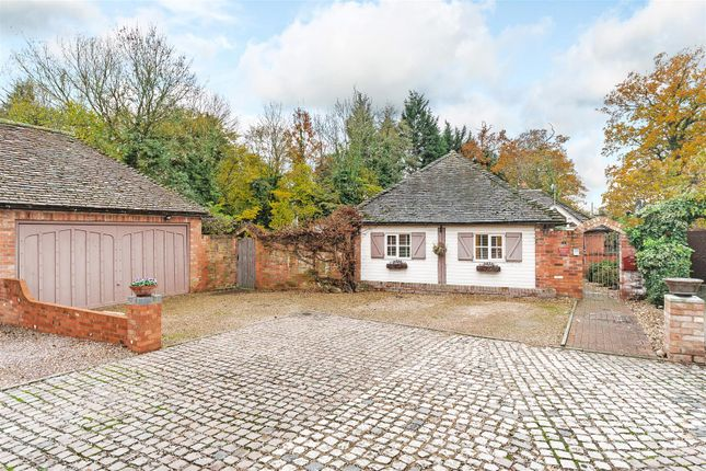 Thumbnail Detached house for sale in Sherbourne Court, Sherbourne, Warwickshire