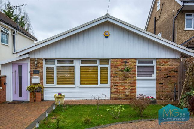 Thumbnail Bungalow for sale in Cavendish Road, Arkley, Hertfordshire