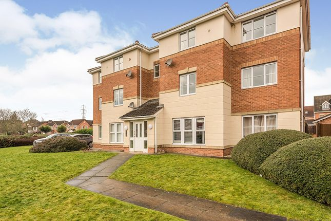 2 bed flat to rent in Weavers Chase, Wakefield, West Yorkshire WF2