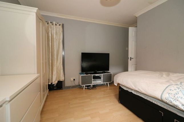 Bedroom 2 of Neilston Road, Paisley PA2