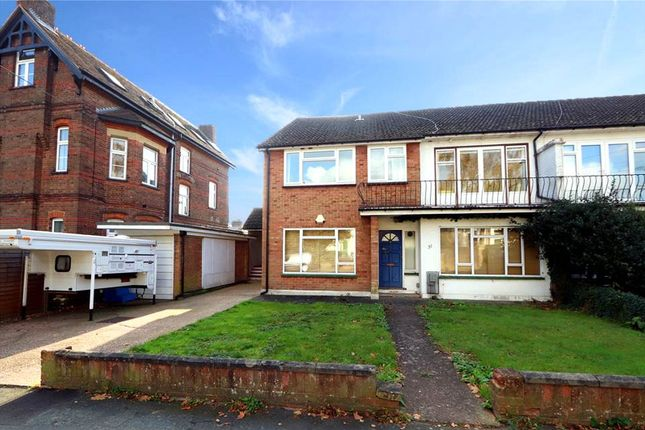 Thumbnail Maisonette for sale in Park Road, Watford